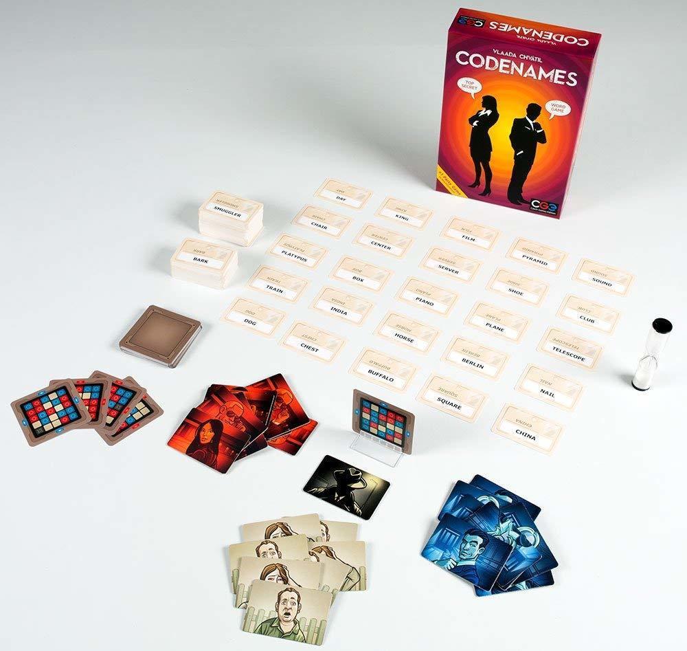 Caixa e componentes do jogo Codenames